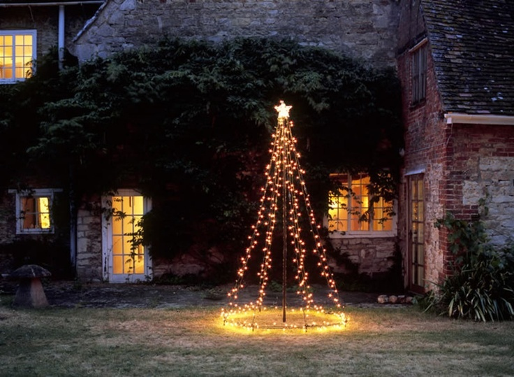DIY outdoor Christmas tree using string lights