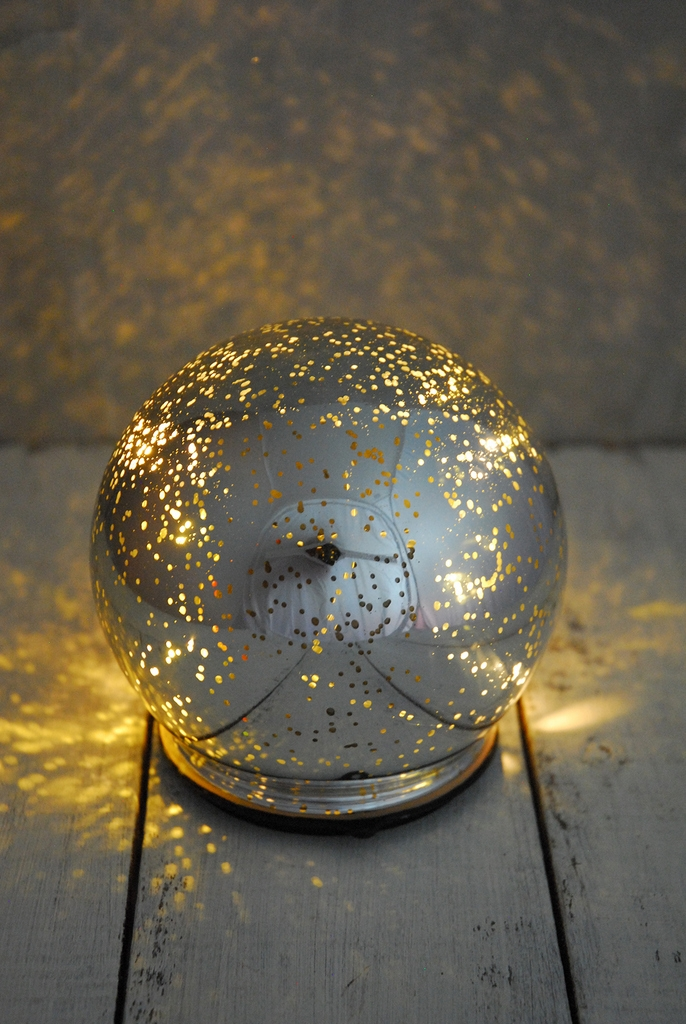 DIY mirror paint led globe