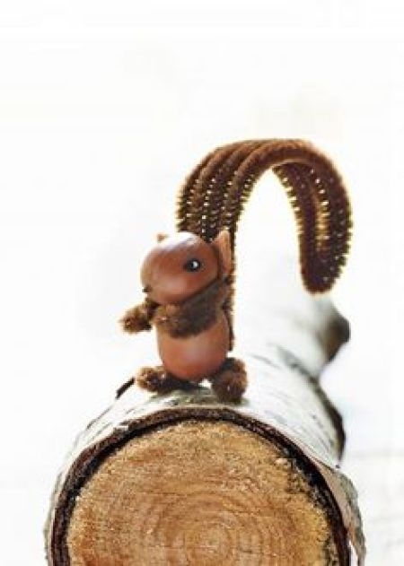 Acorn squirrel craft for fall