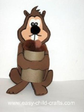 paper-roll-squirrels