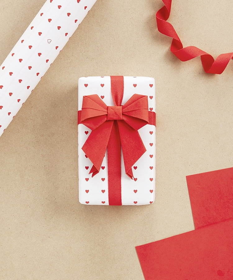 gift wrap paper bows