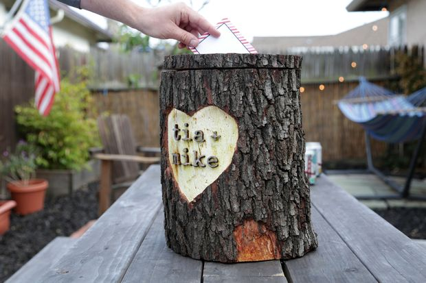diy-wooden-log-card-box