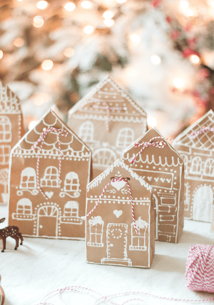 Gingerbread-house-paper-bags