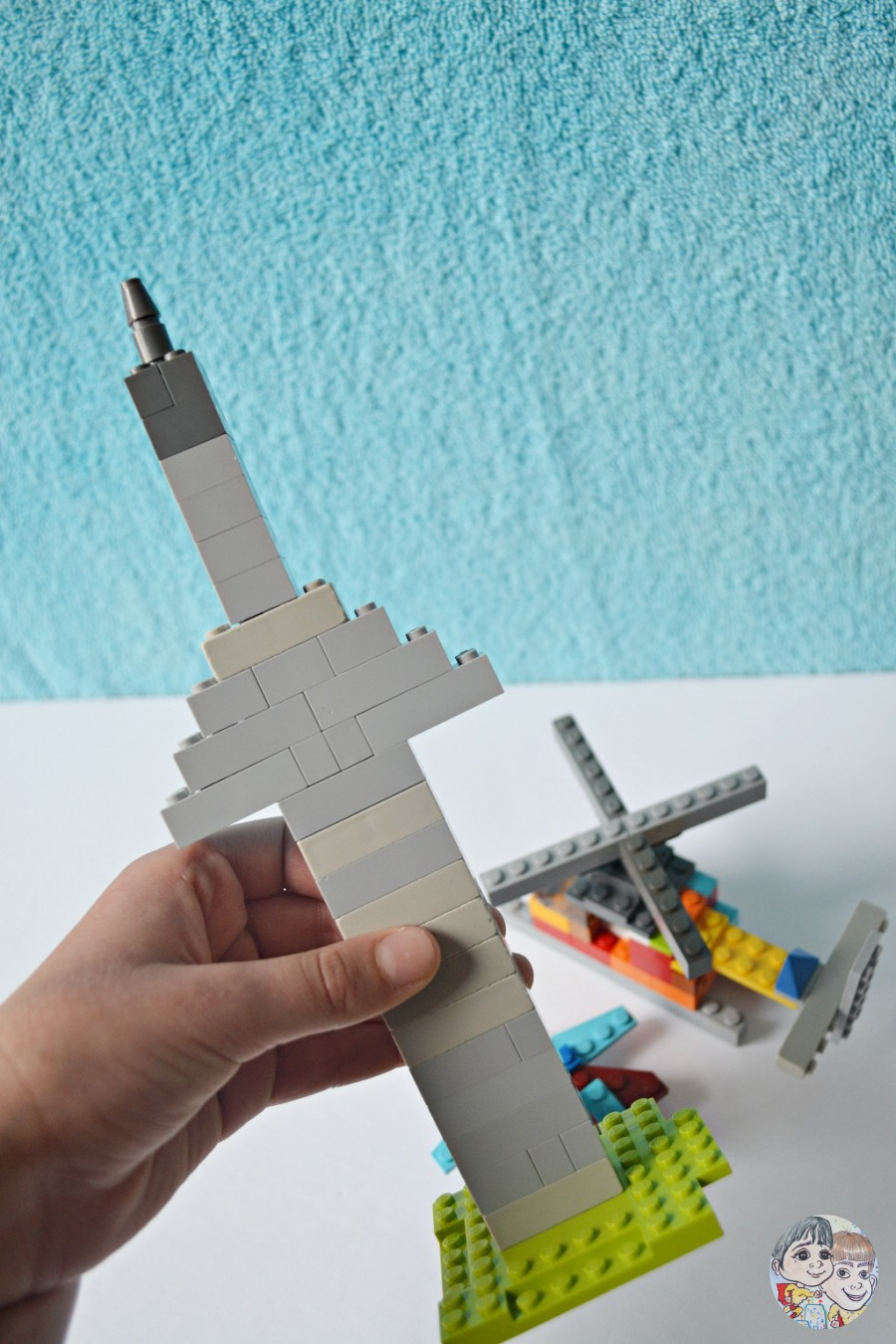 cn-tower-lego-kids-tutorial