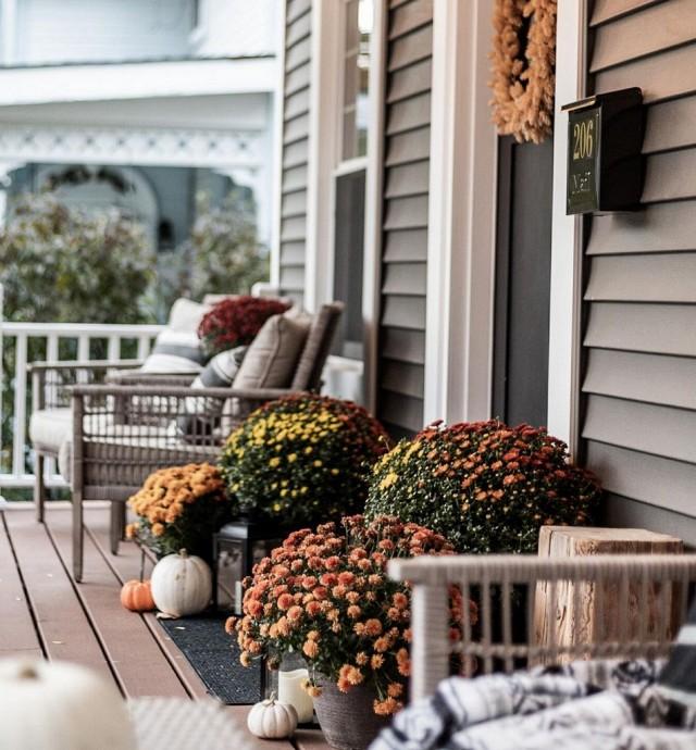 front-porch-diy-fall-planter-fall-decor