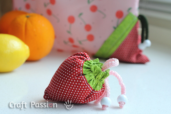 Strawberry Reusable Grocery Bag Free Sew Pattern