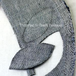 recycle denim sleeve to flower brooch