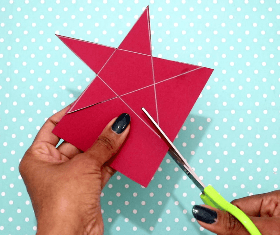 4th of july easy crafts-cut the star shape out of the paper