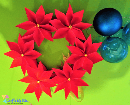 Easy paper Christmas craft-Christmas paper wreath