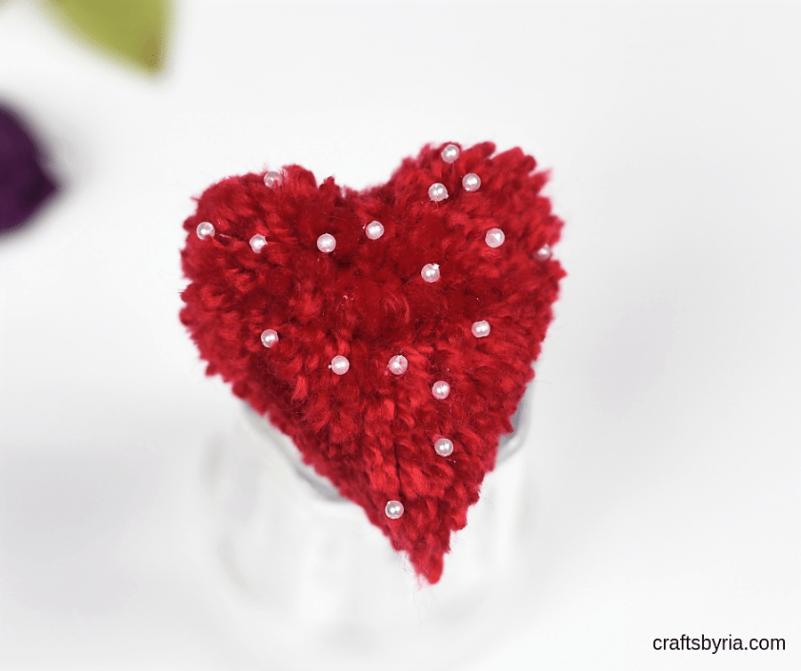 how to make a pom pom heart with beads-image for facebook