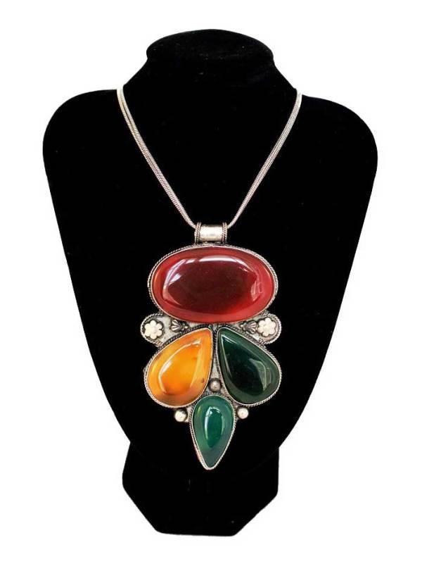 Vintage Pendant Necklace 4