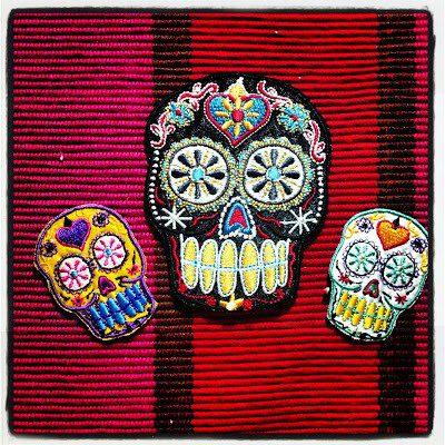 crafty-chica-skull-applique