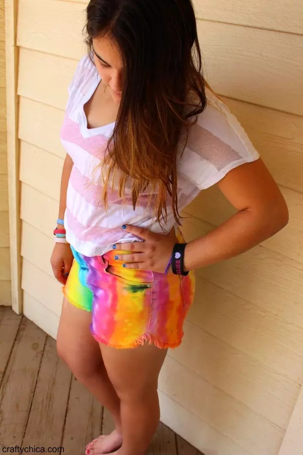 How to make rainbow shorts by CraftyChica.com