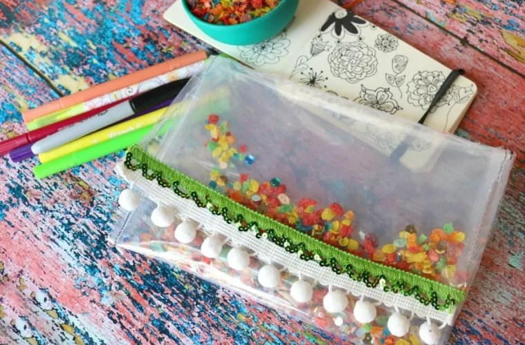 How to make a Fruity Pebbles Vinyl Pouch by Crafty Chica.