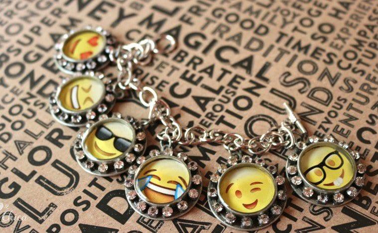 How to make a resin emoji bracelet