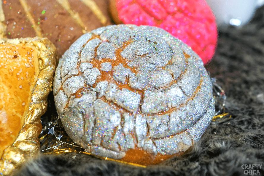 Edible glittered conchas.