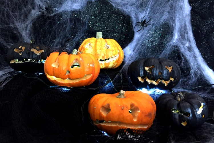 Mini Pumpkin Halloween carving hacks