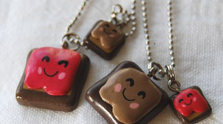 New Giveaway from VioletGumDrop.com- Cute Besties Necklace Set! @violetgumdrop**Extended to 7/21**