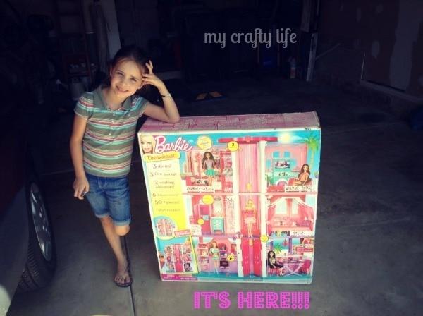#barbieismoving-2