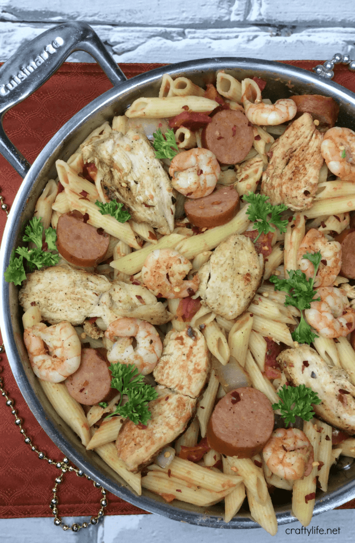 This One Pot Savory Cajun Pasta packs a delicious punch that will wake up your taste buds and become your new favorite meal.