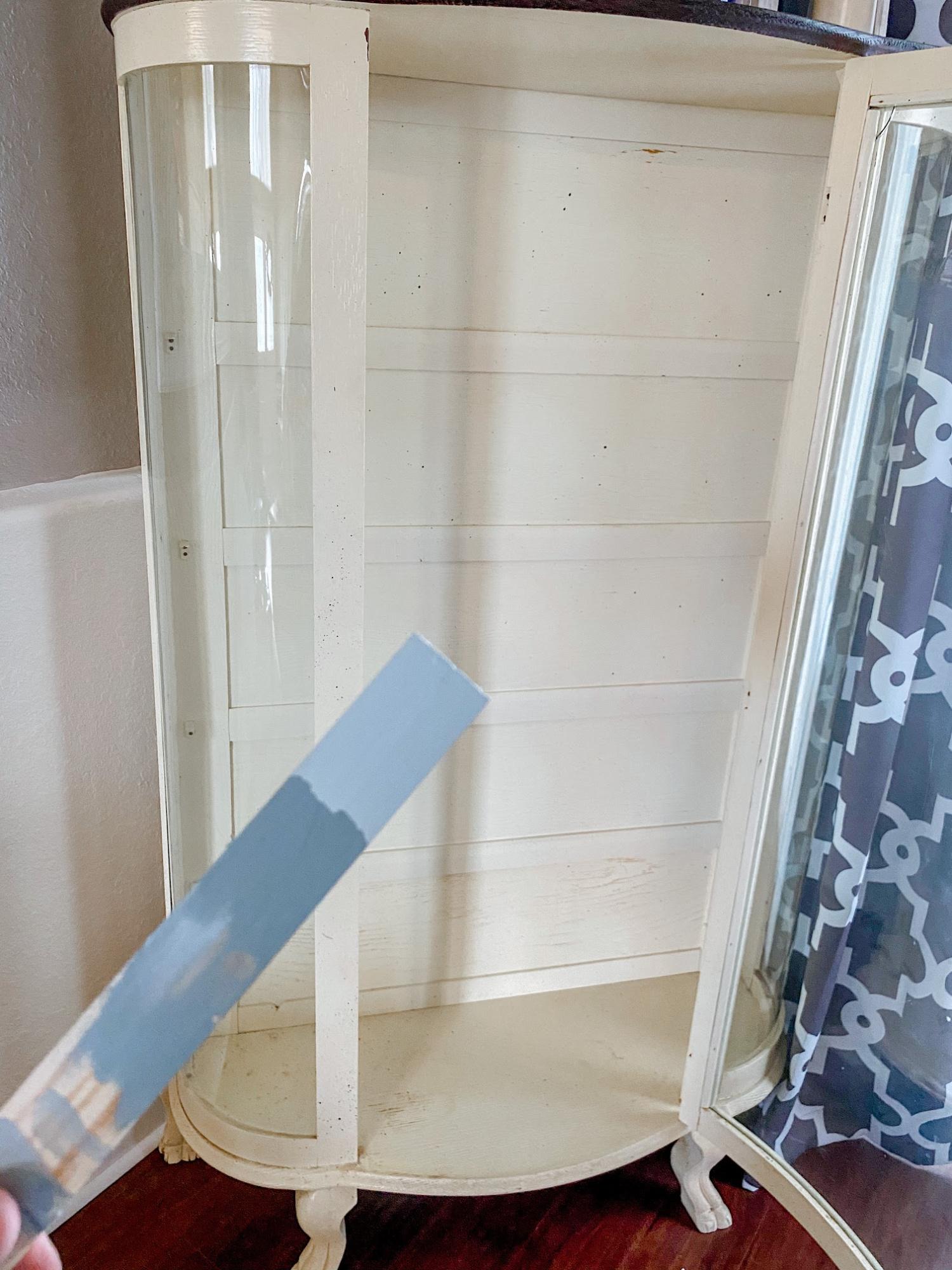 DIY Curio Cabinet Makeover #furniture #paintedfurniture