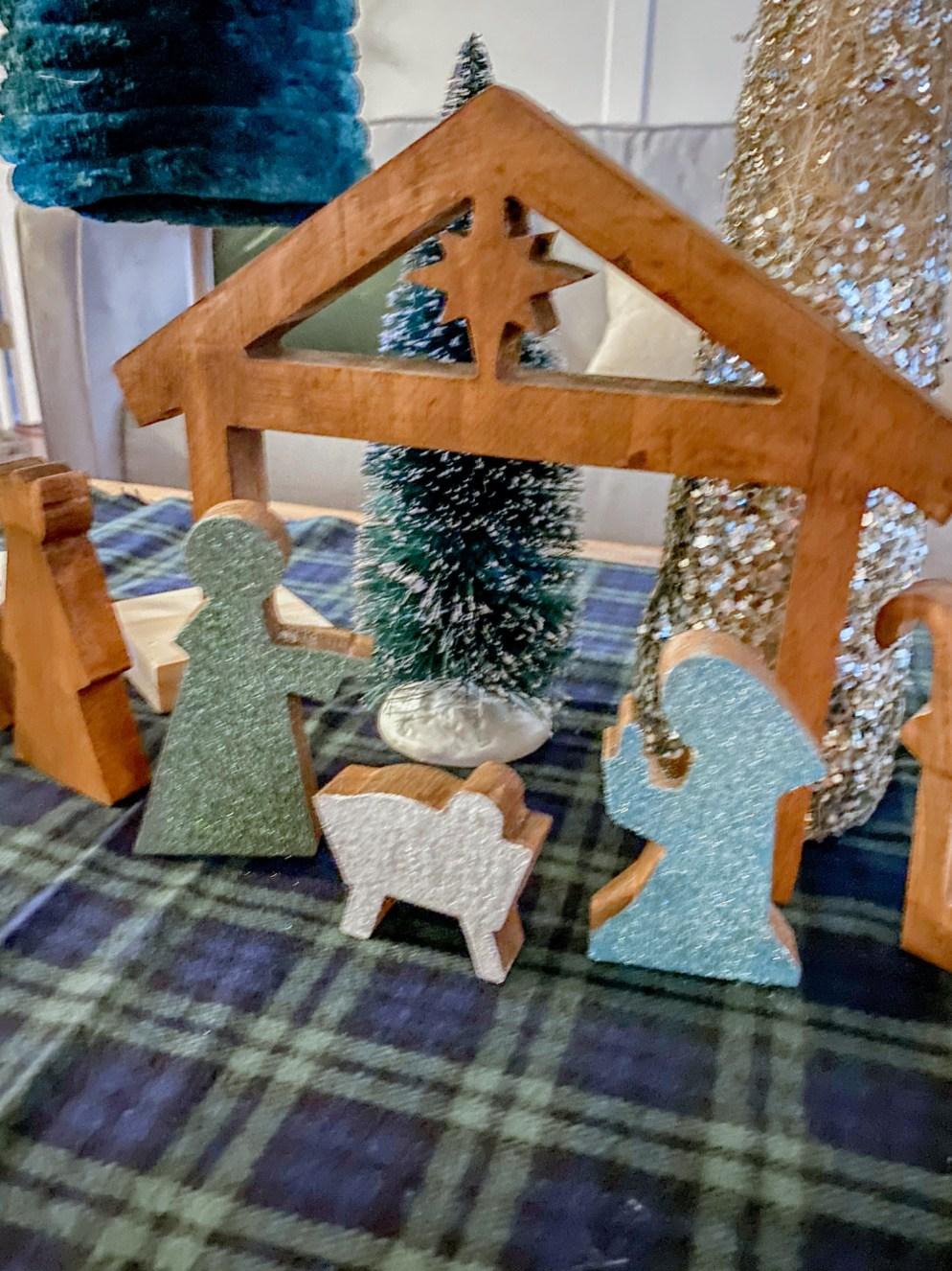 DIY Wooden Nativity scene form Hobby Lobby