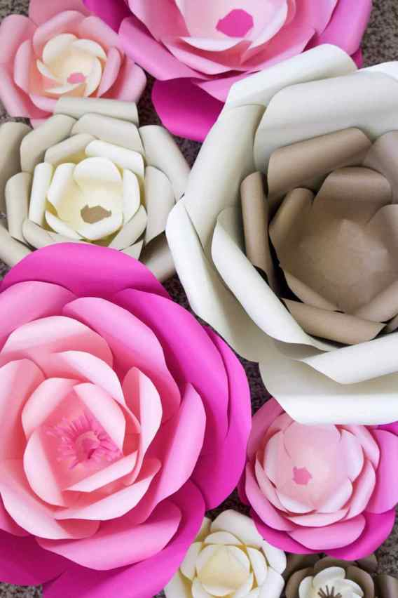 The Best Paper Flower Tutorials to help you get started in creating and making paper flowers for you, your home or as gifts. #bestpaperflowers #paperflowertutorials #craftylifemom #crafting #papercrafts #papercrafting