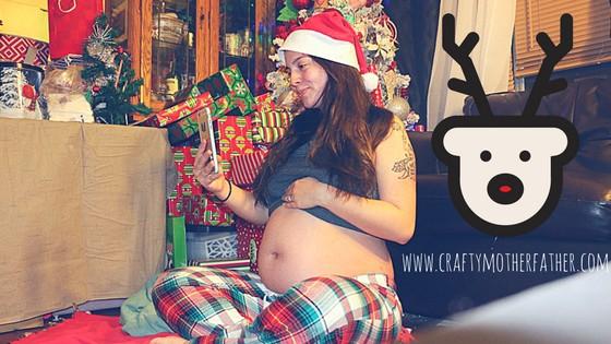 Christmas pregnancy photo shoot