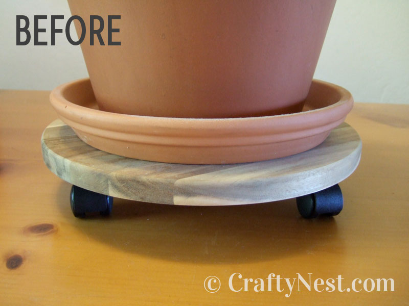 Terracotta pot on top of an Ikea plant glide, photo