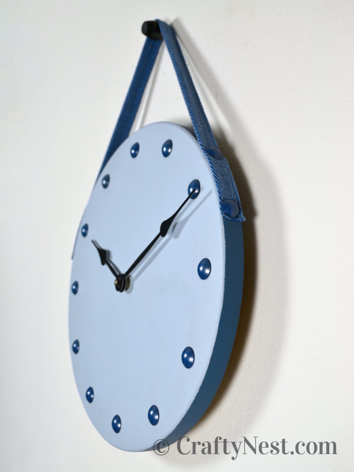 Side view of the clock, photo