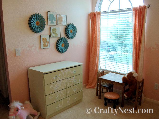 Heika's little girl's bedroom decor, photo