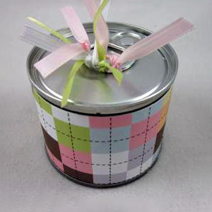 Pop-top-can gift wrapping, photo