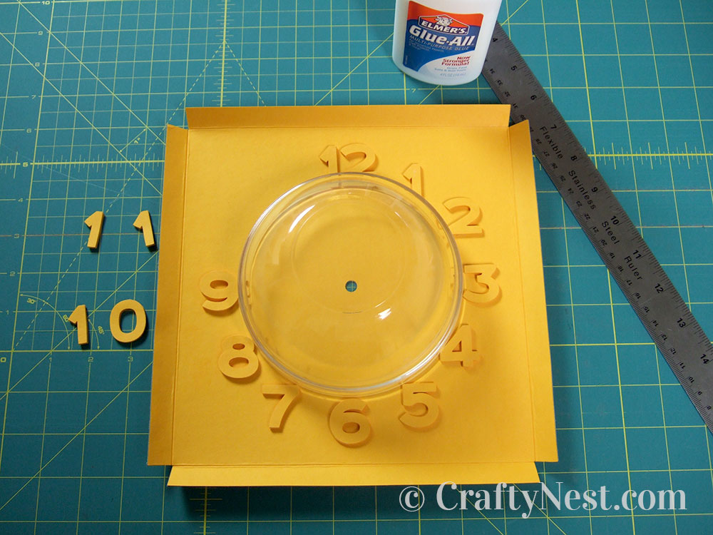 Using a bowl to place the numbers, photo