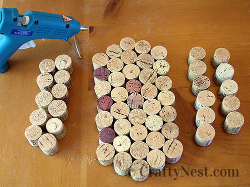 Continue gluing the corks from inside out, photo