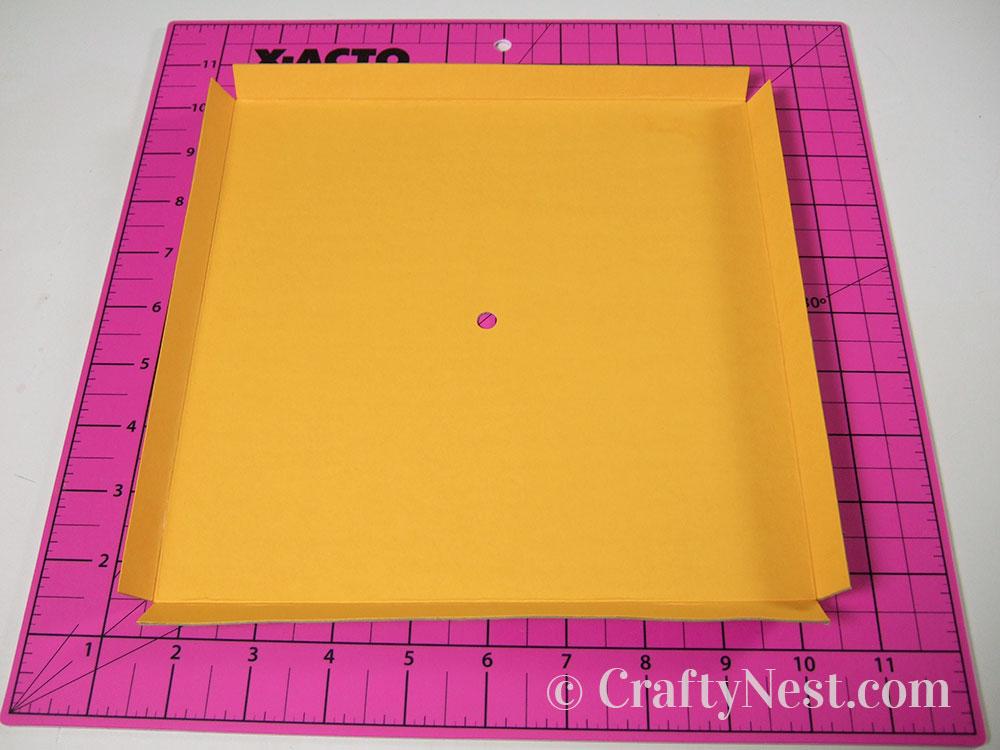 Fold the edges of the clock face, photo