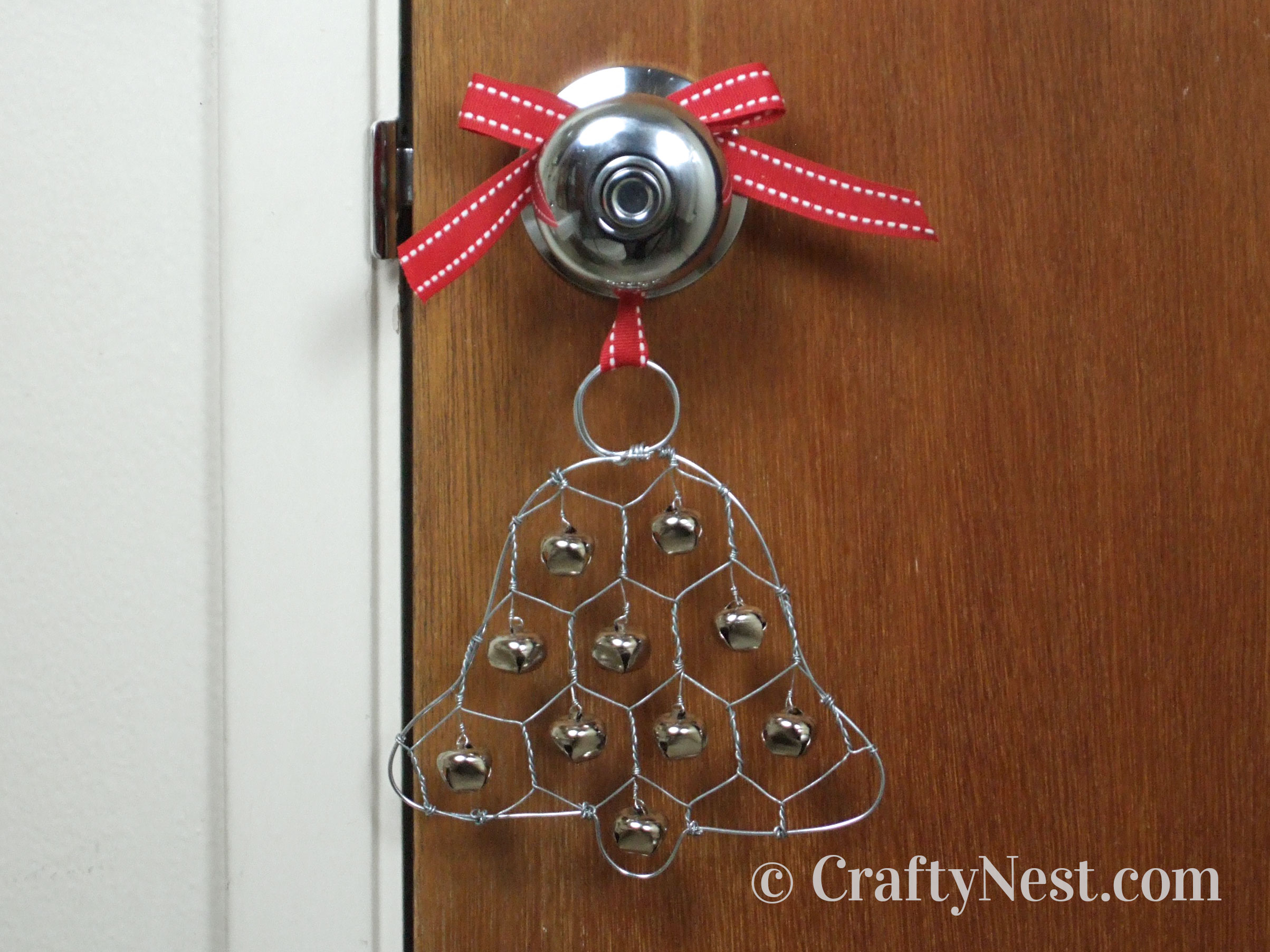 Jingle bell Christmas ornament made of wire, photo