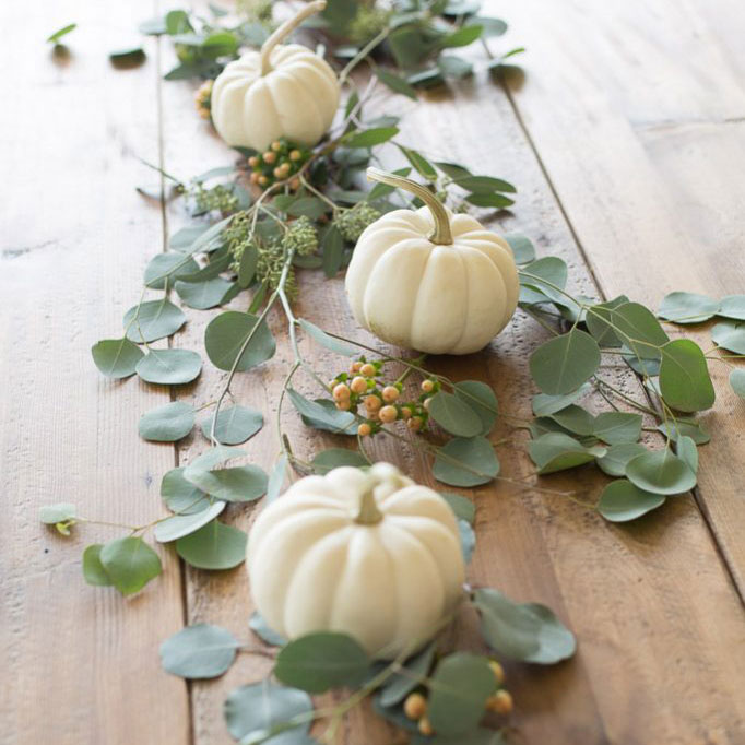 Pumpkins and leaves centerpiece, photo