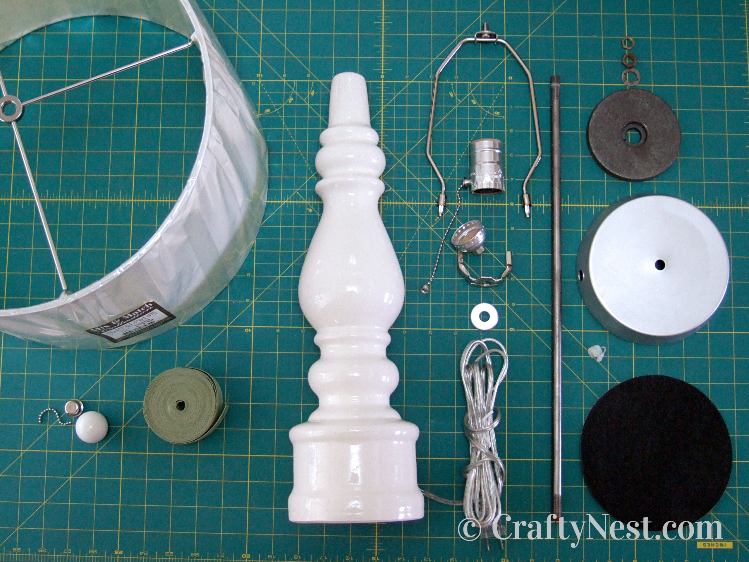 Supplies to rewire a table lamp, photo