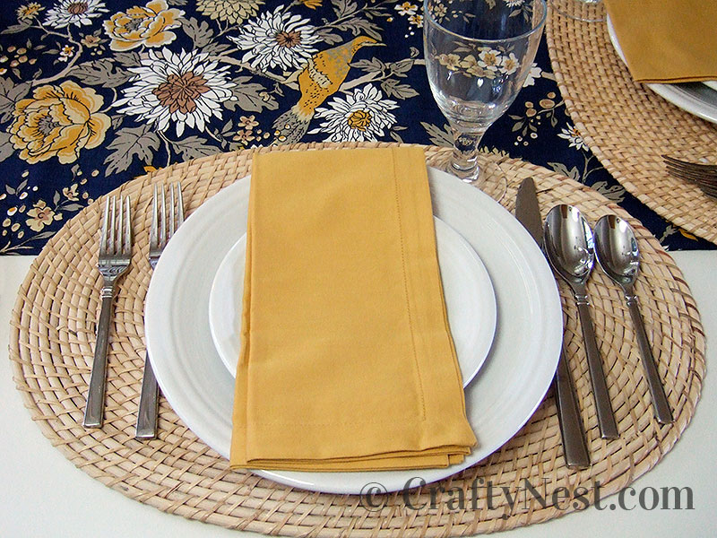 One dining table place setting, photo