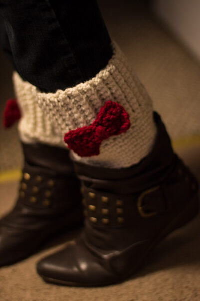 Boot cuff topper with bow free crochet pattern