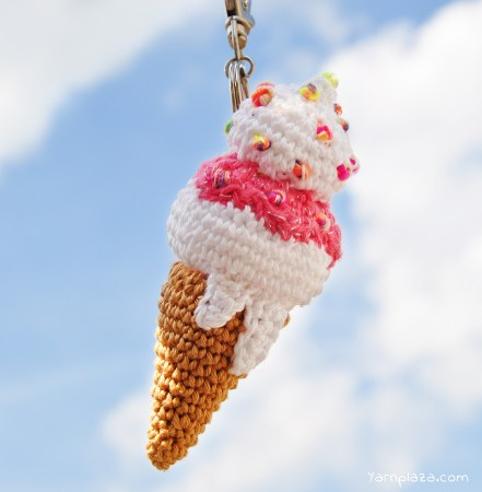 CROCHET ICE CREAM: CAREFUL YOU DON'T EAT YOUR FINGERS!