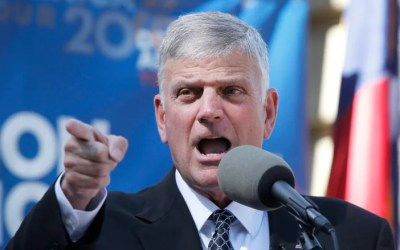 Now, the Good News: God Moving Powerfully Across America [Franklin Graham and Greg Laurie Videos]