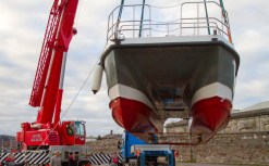Lifting Double Hull Boat