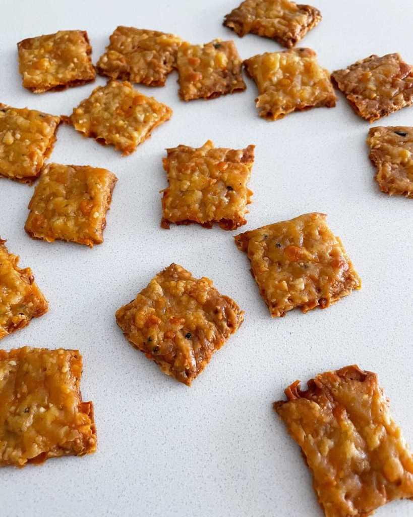 sourdough discard cheese crackers