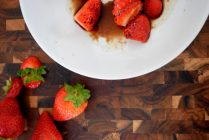 Cinnamon Paprika Crusted Chicken and Balsamic Roasted Strawberries-002