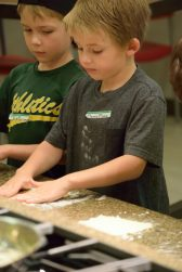 Kid's Pie Making Class 9.19.15-017
