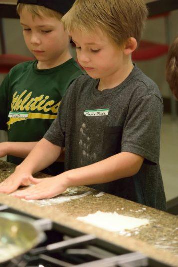 Kid's Pie Making Class 9.19.15-017