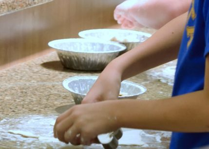 Kid's Pie Making Class 9.19.15-030
