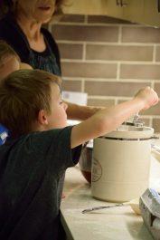Kid's Pie Making Class 9.19.15-081