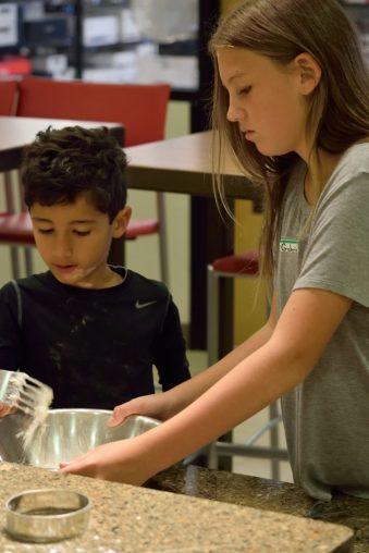 Kid's Pie Making Class 9.19.15-130